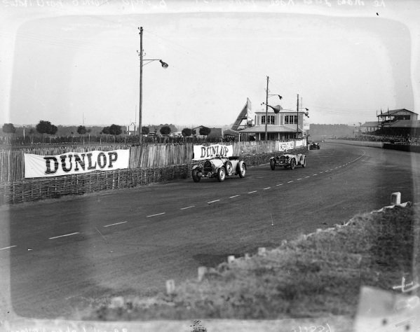 Roger Labric / Pierre Veyron, Bugatti T50S leads Earl Howe / Tim Rose-Richards, Alfa Romeo 8C 2300 LM.