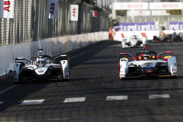 Daniel Abt (DEU), Audi Sport ABT Schaeffler, Audi e-tron FE05, battles with Jose Maria Lopez (ARG), GEOX Dragon Racing, Penske EV-3