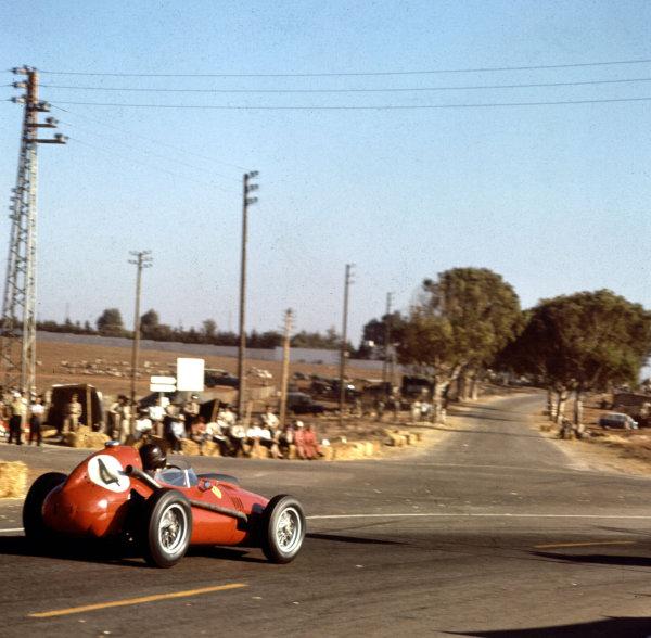 1958 Moroccan Grand Prix.Ain-Diab, Casablanca, Morocco.17-19 October 1958.Phil Hill (Ferrari Dino 246) 3rd position.Ref-3/0127.World Copyright - LAT Photographic