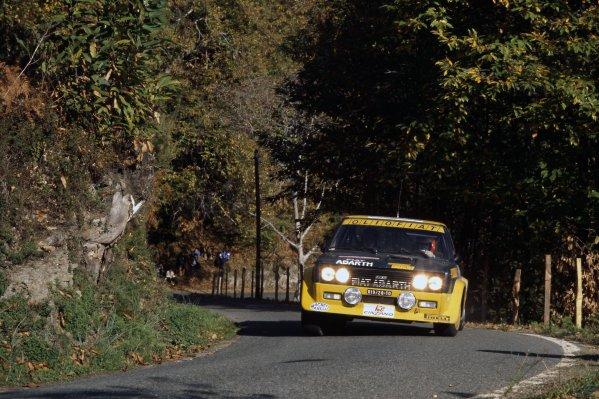 1977 World Rally Championship.Tour de Corse, Corsica, France. 5-6 November 1977.Bernard Darniche/Alain Mahe (Fiat 131 Abarth), 1st position.World Copyright: LAT PhotographicRef: 35mm transparency 77RALLY09
