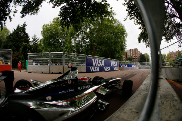 2014/2015 FIA Formula E Championship. London ePrix, Battersea Park, London, United Kingdom. Sunday 28 June 2015 Loic Duval (FRA)/Dragon Racing - Spark-Renault SRT_01E  Photo: Zak Mauger/LAT/Formula E ref: Digital Image _L0U9980