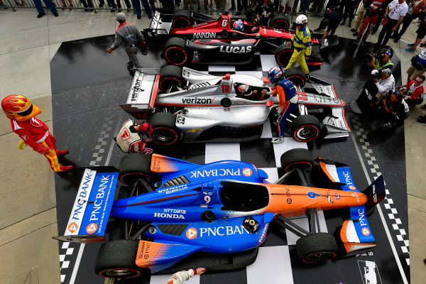 Scott Dixon, Chip Ganassi Racing Honda,Robert Wickens, Schmidt Peterson Motorsports Honda, Will Power, Team Penske Chevrolet celebrate in Victory Lane
