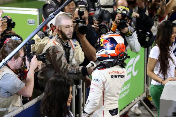 2015 FIA World Endurance Championship, Bahrain International Circuit, Bahrain. 19th - 21st November 2015. Neel Jani Porsche Team Porsche 919 Hybrid. World Copyright: Jakob Ebrey / LAT Photographic.