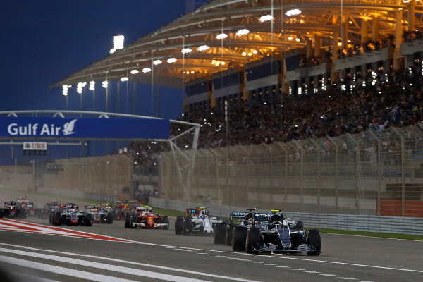 Bahrain International Circuit, Sakhir, Bahrain. Sunday 3 April 2016. Nico Rosberg, Mercedes F1 W07 Hybrid leads at the start of the race. World Copyright: Glenn Dunbar/LAT Photographic ref: Digital Image _W2Q6244