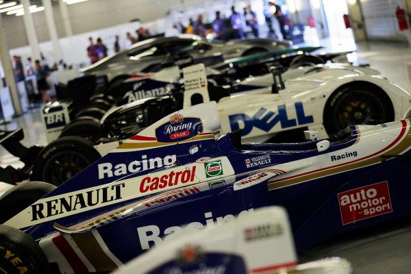 Williams 40 Event Silverstone, Northants, UK Friday 2 June 2017. The 1997 Jacques Villeneuve FW19 Renault, among a line-up of Williams-designed cars..  World Copyright: Zak Mauger/LAT Images ref: Digital Image _54I9951