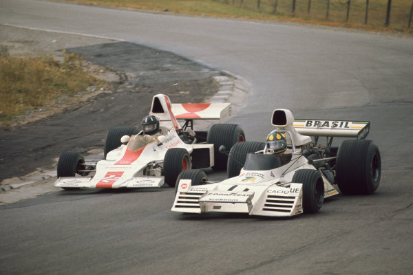 1973 Canadian Grand Prix.  Mosport Park, Ontario, Canada. 21st-23rd September 1973.  Wilson Fittipaldi, Brabham BT42 Ford, and Graham Hill, Shadow DN1 Ford.  Ref: 73CAN25. World copyright: LAT Photographic