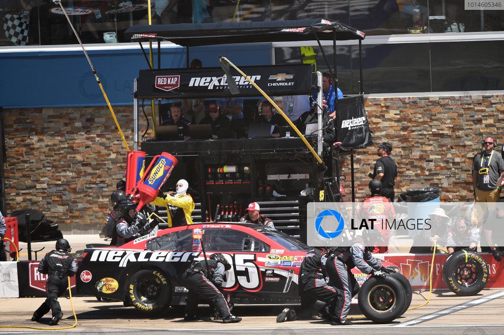 10-12 June, 2016, Brooklyn, Michigan USA Ty Dillon, Leavine Family Racing (95) makes a pit stop. ?2016, John Harrelson / LAT Photo USA