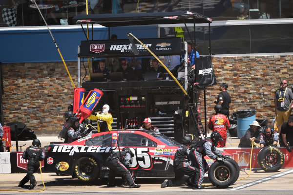 10-12 June, 2016, Brooklyn, Michigan USA Ty Dillon, Leavine Family Racing (95) makes a pit stop. ?2016, John Harrelson / LAT Photo USA