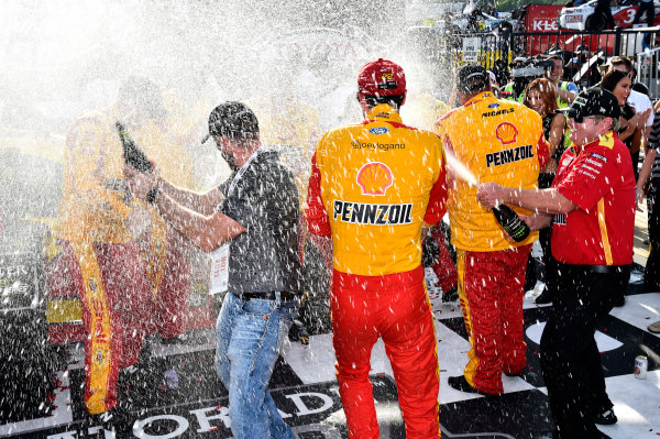 Monster Energy NASCAR Cup Series Toyota Owners 400 Richmond International Raceway, Richmond, VA USA Sunday 30 April 2017 Joey Logano, Team Penske, Shell Pennzoil Ford Fusion wins. World Copyright: Rusty Jarrett LAT Images ref: Digital Image 17RIC1rj_4446