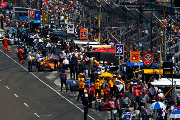 Verizon IndyCar Series Indianapolis 500 Carb Day Indianapolis Motor Speedway, Indianapolis, IN USA Friday 26 May 2017 Cars inhabit the pit lane during a break in practice World Copyright: Phillip Abbott LAT Images ref: Digital Image abbott_indy_0517_27852