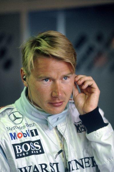 1999 British Grand Prix.Silverstone, Great Britain. 11 July 1999.Mika Hakkinen, McLaren MP4/14-Mercedes-Benz, retired, portrait.World Copyright: LAT PhotographicRef: 35mm transparency H3A06