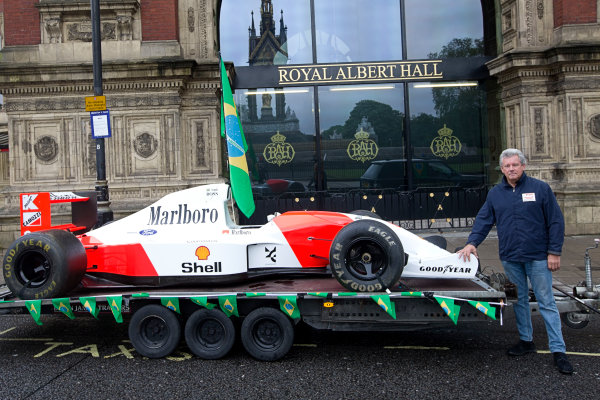 2014 Ayrton Senna Tribute. Royal Albert Hall, Kensington Gore, London. 1st May 2014. Peter Ratcliffe parades a replica 1993 Ayrton Senna McLaren around the streets of London. World Copyright: Alastair Staley / LAT Photographic. Ref: _R6T0381.jpg