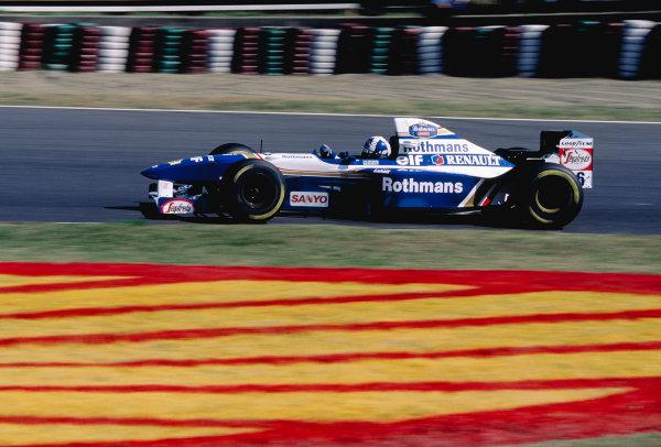 1995 Japanese Grand Prix.Suzuka, Japan. 27-29 October 1995.David Coulthard (Williams FW17B Renault).Ref-95 JAP 16.World Copyright - LAT Photographic