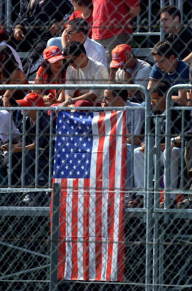 2001 Italian Grand Prix - RaceMonza, Italy. 16th Spetember 2001.An US flag is flown as a mark or respect.World Copyright: Steve Etherington/ LAT Photographicref: 17 5mb Digital Image
