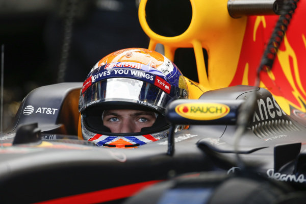 Max Verstappen (NED) Red Bull Racing RB12 at Formula One World Championship, Rd18, United States Grand Prix, Qualifying, Circuit of the Americas, Austin, Texas, USA, Saturday 22 October 2016.