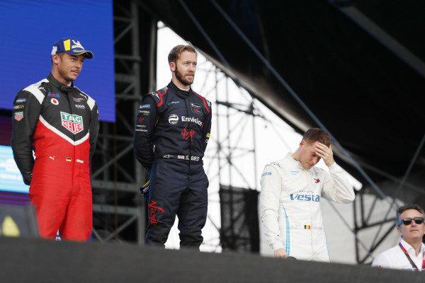 Andre Lotterer (DEU), Tag Heuer Porsche, Porsche 99x Electric, Sam Bird (GBR), Envision Virgin Racing, Audi e-tron FE06, and Stoffel Vandoorne (BEL), Mercedes Benz EQ Formula, EQ Silver Arrow 01, on the podium