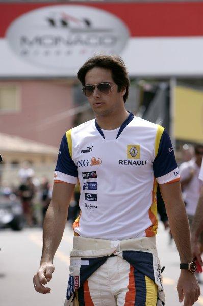 2008 Monaco Grand Prix - WednesdayMonte Carlo, Monaco.21st May 2008.Nelson Piquet Jr, Renault R28. Portrait.World Copyright: Charles Coates/LAT Photographic.ref: Digital Image _K5Y8950