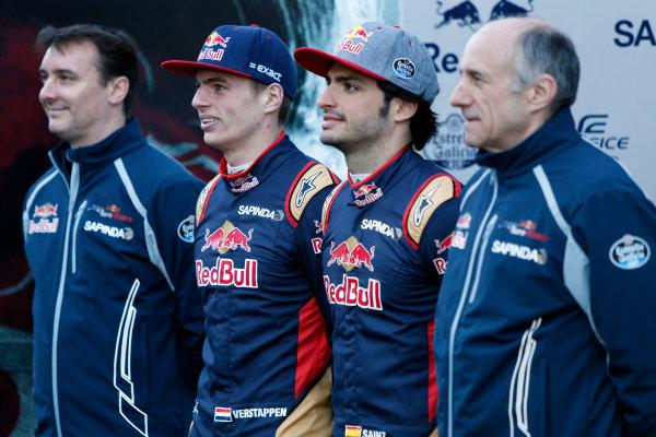 Circuit de Catalunya, Barcelona, Spain Tuesday 1 March 2016. Carlos Sainz Jr, Toro Rosso. Max Verstappen, Toro Rosso.  World Copyright: Zak Mauger/LAT Photographic ref: Digital Image _79P9365