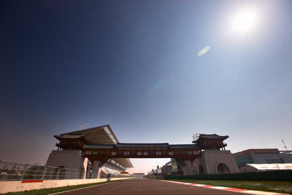 Korea International Circuit, Yeongam-Gun,South Korea. 13st October 2011. The start/finish straight. Atmosphere. Circuit Close ups. World Copyright:Steve Etherington/LAT Photographic ref: Digital Image SNE27562