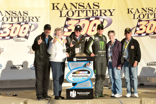 3-4 October, 2014, Kansas City, Kansas USA Kyle Busch, Monster Energy Toyota Camry ?2014, John Harrelson / LAT Photo USA