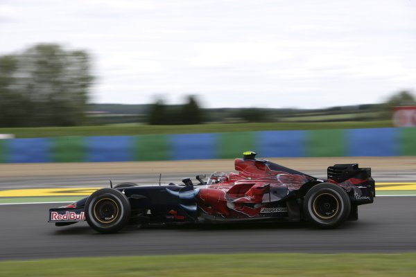 2007 French Grand Prix - Friday PracticeCircuit de Nevers Magny Cours, Nevers, France.29th June 2007.Scott Speed, Toro Rosso STR02-Ferrari. Action. World Copyright: Andrew Ferraro/LAT Photographicref: Digital Image VY9E1795
