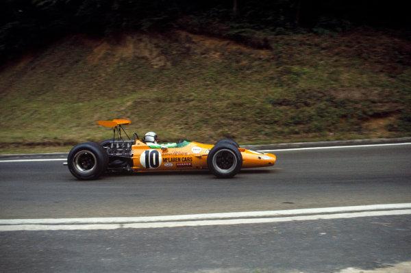 Rouen-Les-Essarts, France. 5-7 July 1968. Bruce McLaren (McLaren M7A Ford) 8th position. Ref-68FRA09. World Copyright - LAT Photographic