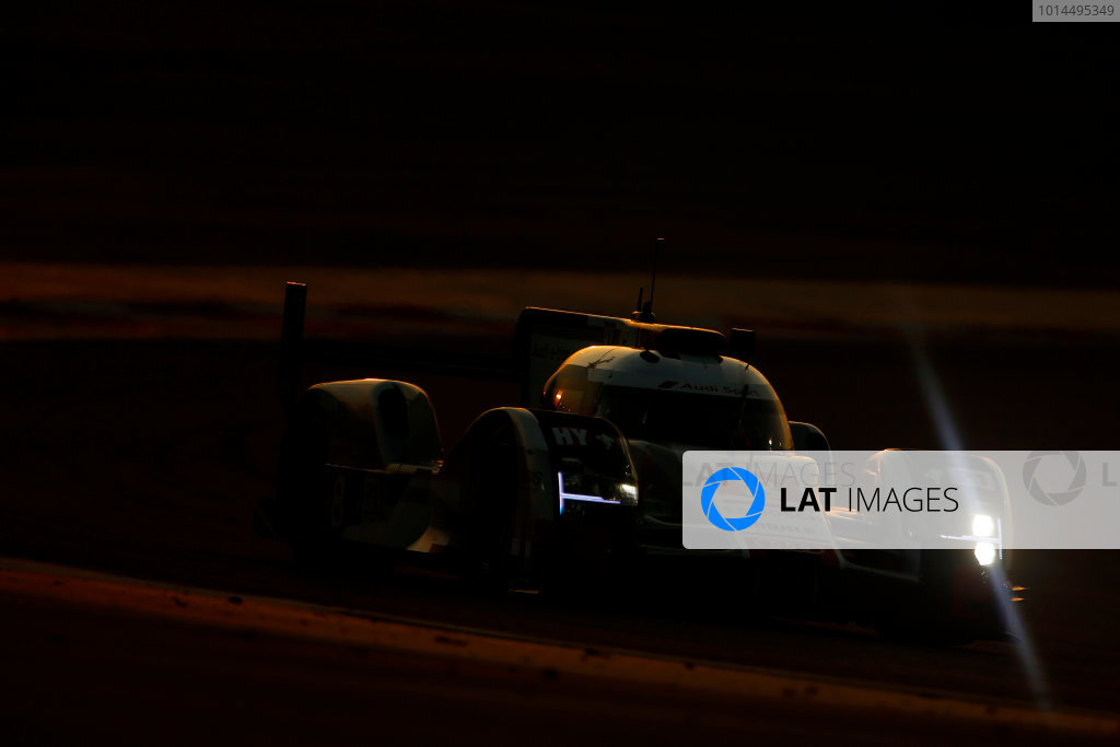 2015 FIA World Endurance Championship Bahrain 6-Hours Bahrain International Circuit, Bahrain Saturday 21 November 2015. Lucas Di Grassi, Lo?c Duval, Oliver Jarvis (#8 LMP1 Audi Sport Team Joest Audi R18 e-tron quattro). World Copyright: Alastair Staley/LAT Photographic ref: Digital Image _79P1220