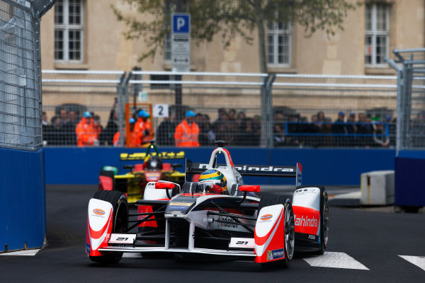 2015/2016 FIA Formula E Championship. Paris ePrix, Paris, France. Saturday 23 April 2016. Bruno Senna (BRA), Mahindra Racing M2ELECTRO. Photo: Glenn Dunbar/LAT/Formula E ref: Digital Image _W2Q1962