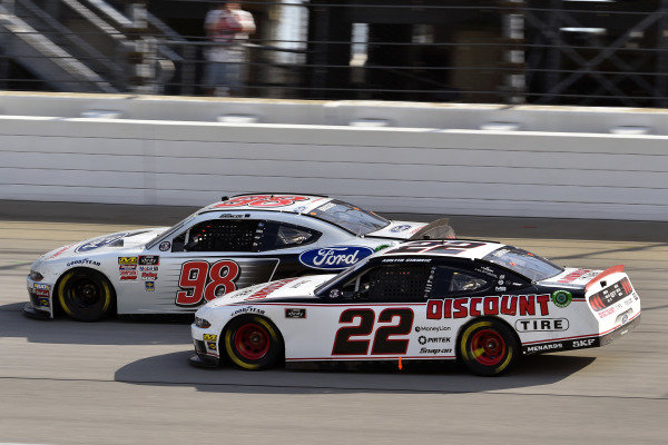#98: Chase Briscoe, Stewart-Haas Racing, Ford Mustang Ford Performance and #22: Austin Cindric, Team Penske, Ford Mustang Discount Tire