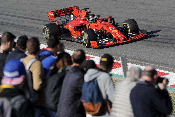 Sebastian Vettel, Ferrari SF90 and fans