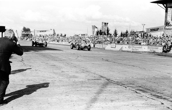 1952 German Grand Prix.Nurburgring, Germany. 1-3 August 1952.Alberto Ascari (number 101) and Giuseppe Farina (both Ferrari 500's) on their way to 1st and 2nd positions respectively.Ref-4679J 27A/28.World Copyright - LAT Photographic