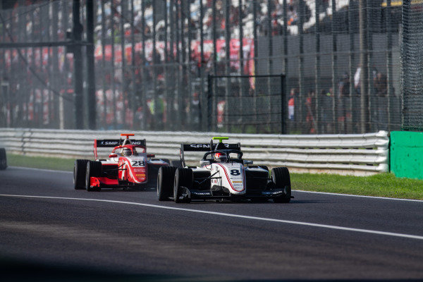 AUTODROMO NAZIONALE MONZA, ITALY - SEPTEMBER 08: Fabio Scherer (CHE, Sauber Junior Team by Charouz) and Robert Shwartzman (RUS, PREMA Racing) during the Monza at Autodromo Nazionale Monza on September 08, 2019 in Autodromo Nazionale Monza, Italy. (Photo by Joe Portlock / LAT Images / FIA F3 Championship)