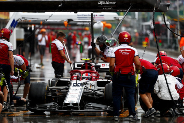 Antonio Giovinazzi, Alfa Romeo Racing C38, in the pits during practice
