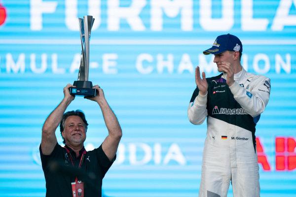 Michael Andretti and Maximilian Günther (DEU), BMW I Andretti Motorsports, on the podium