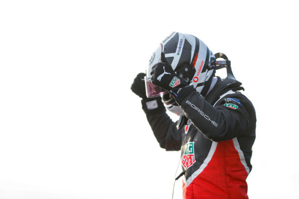 Andre Lotterer (DEU), Tag Heuer Porsche, 2nd position