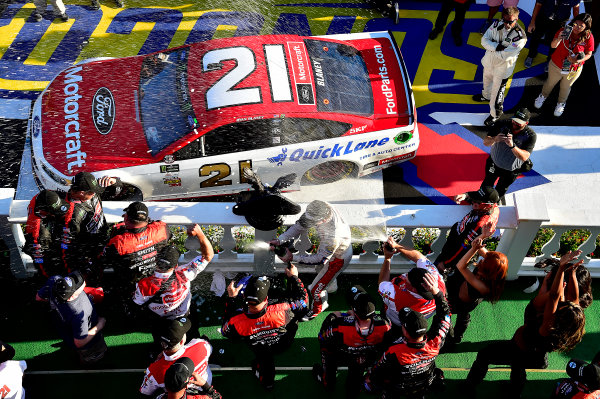 Monster Energy NASCAR Cup Series AXALTA presents the Pocono 400 Pocono Raceway, Long Pond, PA USA Sunday 11 June 2017 Ryan Blaney, Wood Brothers Racing, Motorcraft/Quick Lane Tire & Auto Center Ford Fusion wins. World Copyright: Rusty Jarrett LAT Images ref: Digital Image 17POC1rj_3673