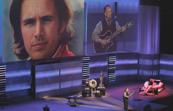 23 October, 2011, Indianapolis, Indiana USAGarth Brooks performs(c)2011, Phillip AbbottLAT Photo USA