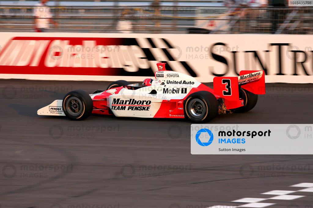 Helio Castroneves (BRA), Marlboro Team Penske Dallara Toyota, won the Suntrust Indy 300. IRL IndyCar Series, Rd7, Suntrust Indy 300, Richmond International Raceway, Richmond, Virginia, USA. 24-25 June 2005. DIGITAL IMAGE