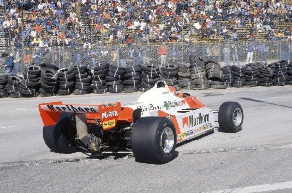 1981 United States Grand Prix West.Long Beach, California, USA. 13-15 March 1981.Bruno Giacomelli (Alfa Romeo 179C), retired.World Copyright: LAT PhotographicRef: 35mm transparency 81LB35