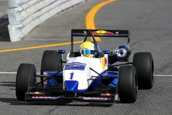 Wade Van Hooser (USA).Red Bull US Driver Search, Estoril, Portugal, 12-13 October 2004.DIGITAL IMAGE