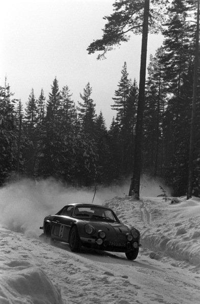 Jean-Pierre Nicolas / Claude Roure, Alpine A110.