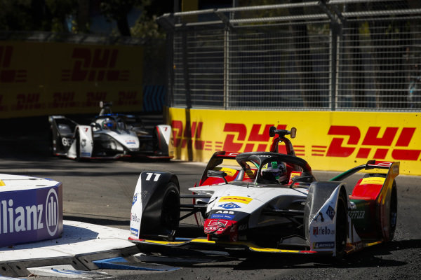 Lucas Di Grassi (BRA), Audi Sport ABT Schaeffler, Audi e-tron FE05 leads Jose Maria Lopez (ARG), GEOX Dragon Racing, Penske EV-3