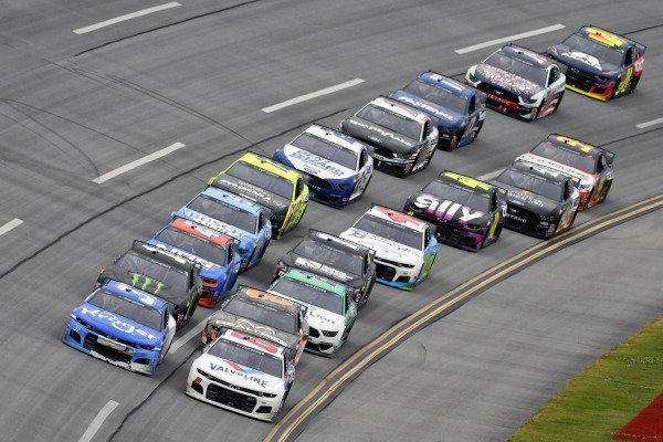 #88: Alex Bowman, Hendrick Motorsports, Chevrolet Camaro Valvoline an d #37: Ryan Preece, JTG Daugherty Racing, Chevrolet Camaro Kroger