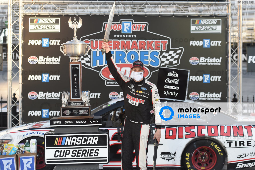 Race winner Brad Keselowski, Team Penske Ford Discount Tire, Copyright: Jared C. Tilton/Getty Images.
