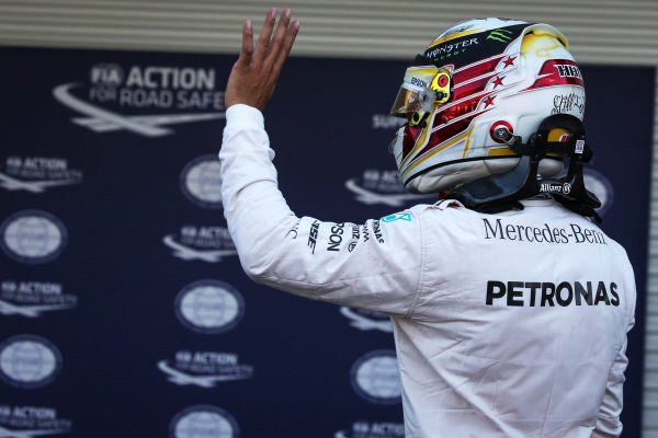 Pole sitter Lewis Hamilton (GBR) Mercedes AMG F1 celebrates in parc ferme at Formula One World Championship, Rd19, Mexican Grand Prix, Qualifying, Circuit Hermanos Rodriguez, Mexico City, Mexico, Saturday 29 October 2016.