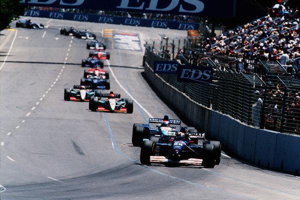 1995 Australian Grand Prix. Adelaide, Australia. 10-12 November 1995. Heinz-Harald Frentzen (Sauber C14 Ford) followed by Johnny Herbert (Benetton B195 Renault). Ref-95 AUS 24. World Copyright - LAT Photographic