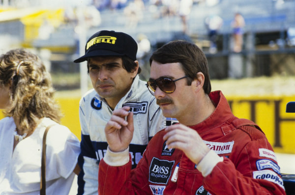 Nigel Mansell, wearing sunglasses, with Nelson Piquet, his tea-mate for 1986.