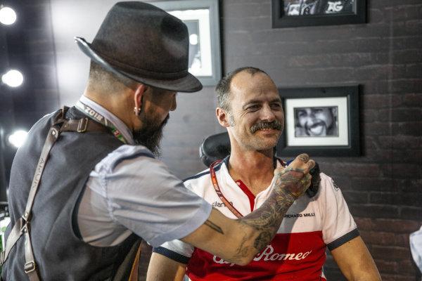 Alfa Romeo Sauber F1 Team at the Movember Barber shop