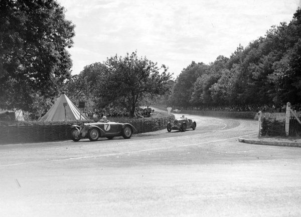Jean Trévaux / Pierre Levegh, Talbot T150C, leads Angelo Molinari / Georges Sarret, Amedée Gordini, Simca-Fiat 508S Balilla.