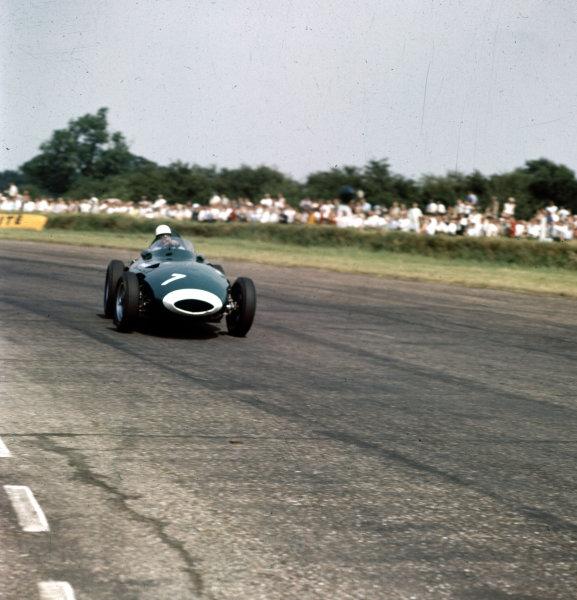 1958 British Grand Prix.Silverstone, England.17-19 July 1958.Stirling Moss (Vanwall VW10).Ref-3/0099.World Copyright - LAT Photographic